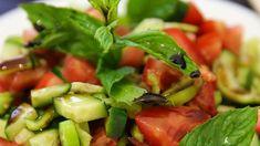 Bilgi paylaştıkça çoğalır :)Nar ekşisi salatalara enfes lezzet katan bir sos. Lakin nar ekşisi lekesi nar lekesi gibi biraz sorunlu bir leke. Ancak onu da çıkarmanın pratik bir yolu elbette var. Nar ekşisi lekesi nasıl çıkar? Nar ekşisini çok seviyoruz ancak bir yere damlayınca yapış yapış olmasının yanı sıra lekesi de kolay kolay çıkmıyor. En …