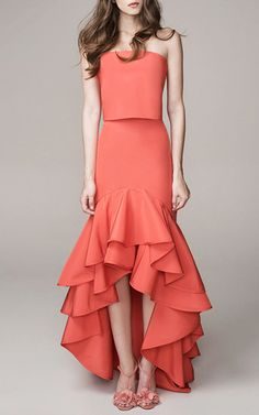 Get inspired and discover Johanna Ortiz trunkshow! Shop the latest Johanna Ortiz collection at Moda Operandi. The Dress, Dress Skirt, Frill Dress, Evening Dresses, Formal Dresses, Summer Gowns, High Fashion, Womens Fashion, African Fashion