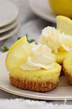 Delicious Mini Baked Lemon Cheesecake No Bake Lemon Cheesecake, Cheesecake Trifle, Easy Desserts, Delicious Desserts, Dessert Recipes, Potluck Recipes, Dessert Ideas, Holiday Recipes, Lemon Pudding Cake