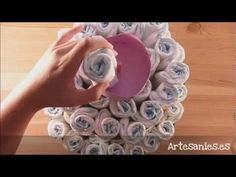 Tarta de pañales - YouTube Ideas Para, Baby Shower, Floral, Youtube, Gifts, Diy, Diaper Cupcakes, Births, Baby Things