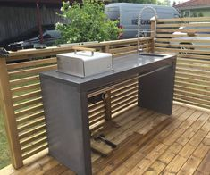 Utekök i betong Outdoor Kitchen Design, Outdoor Kitchens, Outdoor Furniture Sets, Outdoor Decor, Concrete Countertops, Outdoor Living, Pergola, Bbq, Backyard