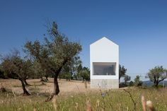 Completed in 2015 in Fonte Boa, Portugal. Images by José Campos. The Fonte Boa House is a single family house designed in a rural estate in Fartosa, Fonte Boa, in the centre of Portugal. The small estate, with a. Portugal, Arquitectura Wallpaper, Sico, Agi Architects, Journal Du Design, Architectural Photographers, Wallpaper Magazine, Medan, Dezeen
