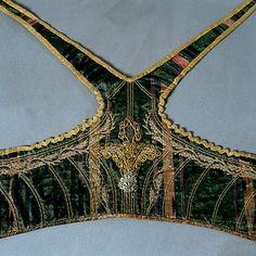 Mieder Detail,  um 1830, Riedenburg    Seide, Goldstickerei,  Applikation aus Goldlahn,  Borte, Leder, silberner Rockhaken