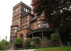 Beautiful Scottish Castle (Scottish Rite Club) in Hamilton Ontario. So beautiful!! www.586eventgroup.com