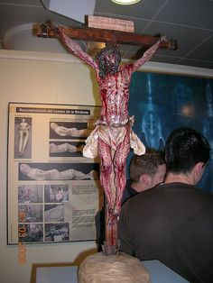 After obtaining this reconstruction with the help of medical pathologists and forensic specialists it was possible to reconstruct the most probable position of the Man of the Shroud on the cross, with all the characteristic signs and their consequences, in particular the blood that comes out every injury on the Body. This crucifix is based on the Holy Shroud.