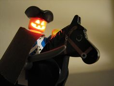 Headless horseman LEDs into Lego minifigures