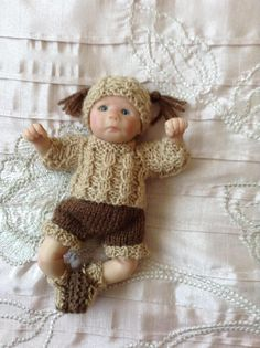 Hand knitted dolls clothes to fit 6 Ooak baby doll