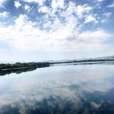 "49 aprecieri, 2 comentarii - Ana •CREATIVE POSTS• (@solnitacuvise) pe Instagram: ""Haos de sentimente😍 #romania #romaniamagica #romaniafrumoasa #ig_romania #sky #nature #naturelover…"" Romania, Sky, River, Mountains, Creative, Instagram Posts, Nature, Outdoor, Heaven"