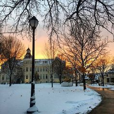 Just when you thought it couldn't get prettier, campus gets a nice snowfall AND a good sunset at the same time. Thanks for sharing your photo from this weekend, @petrickmel! #wiwx #carrollu #wisconsin #viewsofcarrollu