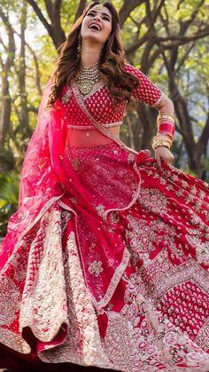 Indian Bridal Photos, Indian Bridal Outfits, Indian Bridal Fashion, Indian Bridal Wear, Indian Fashion Dresses, Indian Designer Outfits, Asian Bridal, Latest Bridal Lehenga, Indian Bridal Lehenga