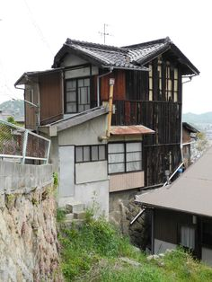House, Innoshima Island, Hiroshima the real japan, real japan, japan, japanese, guide, tips, resource, tips, tricks, information, guide, community, adventure, explore, trip, tour, vacation, holiday, planning, travel, tourist, tourism, backpack, hiking