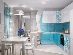 Голубая кухня с узорами на фасадах дверей