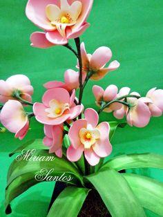 E.V.A. Moldes e Idéias: Flores em EVA