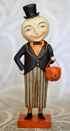 Monte the Moon Man EHAG Halloween Primitive by jenenemortimer, sculpted from Paperclay Halloween Doll, Halloween Ornaments, Halloween House, Spirit Halloween, Holidays Halloween, Vintage Halloween, Halloween Crafts, Happy Halloween, Halloween Decorations