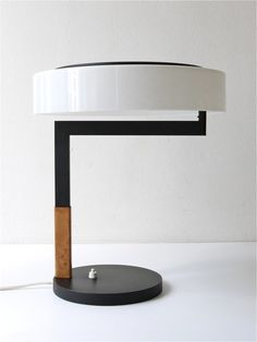 Kalmar Desk/Table lamp - Non-symmetrical, but perfectly balanced. Interior Lighting, Home Lighting, Modern Lighting, Lighting Design, Bedroom Lighting, Mid Century Modern Lamps, Mid Century Lighting, Light Table, Lamp Light