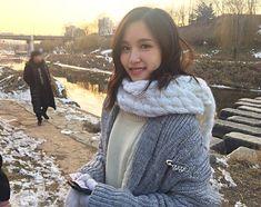 cute mina in winter, pic not mine Cool Girl, My Girl, Twice Korean, Sana Momo, Twice Once, Twice Kpop, Myoui Mina, Best Kpop, Nayeon