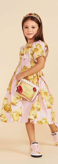 New Fashion Dresses For Kids Dolce & Gabbana Ideas Trendy Fashion, Kids Fashion, Dolce And Gabbana Kids, Dolce Gabbana, Designer Kids Clothes, Girls Dresses, Summer Dresses, Stylish Kids, Mellow Yellow