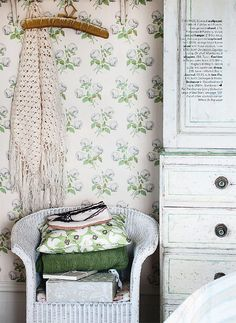 Love this wallpaper.  For a little girl's room, or for a country house.