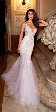 Gorgeous mermaid wedding dresses with much sophisticated details with high quality. Every girl has a mermaid wedding dresses dream, hoping herself could become a true beautiful mermaid in her big day. It is so fantastic if you realize your dream. Wish you have a happy and perfect wedding ceremony and get inspired from the following gallery.