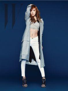 Girls' Generation's Jessica bares her midriff for 'W Korea'