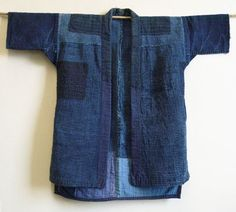 A Beautifully Sashiko Stitched Boro Noragi: Shonai, Yamagata Prefecture. Great inspiration for patching and stitching my rose work shirt, especially the patches on the shoulders for reinforcement and the cut of the sleeves. Mode Kimono, Kimono Jacket, Sashiko Embroidery, Japanese Embroidery, Style Asiatique, Boro Stitching, Recycle Jeans, Japanese Textiles, Indigo Dye