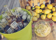 Idea para bodas: barra de cervezas de Bodas de Cuento, The Wedding Designers