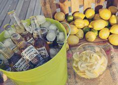 Idea para bodas: barra de cervezas de Bodas de Cuento, The Wedding Designers