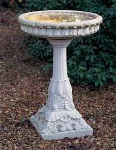 Bird Bath Design Ideas For Your Backyard Inspiration Bird Bath Garden, Garden Art, Garden Ideas, Garden Design, Pedestal, Istanbul, Stone Bird Baths, Shell Decorations, Cast Stone