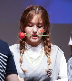 Jeon Somi, Teen Celebrities, Korean Name, Ballet Dancers, Barbie, Singer, Kpop, Humor, Random
