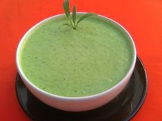 O Molho Verde Para Churrasco é delicioso e muito fácil de fazer. No churrasco ou no sanduíche, esse molho será o maior sucesso. Experimente! Veja Também:M
