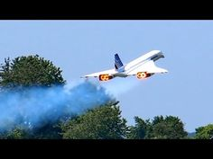 CONCORDE AIR FRANCE HUGE RC SCALE TURBINE MODEL JET DEMO FLIGHT / RC Airshow Airliner Meeting 2015 - YouTube