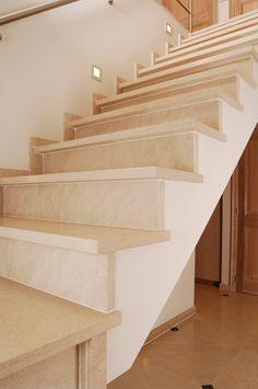 #Schiefer #Treppen haben eine natürliche Ausstrahlung und sie bieten viele Gestaltungsmöglichkeiten und sind für den Innen- und Außenbereich geeignet. http://www.granit-natursteinhandel.de/schiefer-treppen-traditionelle-schiefer-treppen
