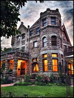 10 room bed and breakfast in Denver. Castle Marne is a beautiful landmark building. Discovered by Bryon Parsons at Castle Marne, Denver, #Colorado