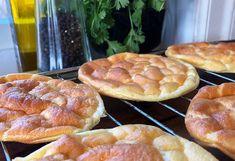 LUFTIG CLOUD BREAD – ET LETT ALTERNATIV TIL BRØDSKIVEN Cloud Bread, Baguette, Bon Appetit, Food And Drink, Gluten, Clouds, Omelet, Alternative, Flourless Bread