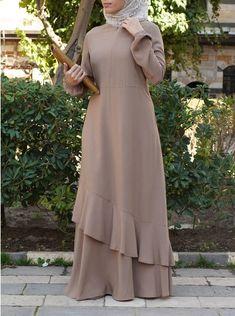 Muslim Dress, Hijab Dress, Modest Dresses, Modest Outfits, Abaya Fashion, Fashion Dresses, Kids Dress Wear, Mode Abaya, Muslim Women Fashion