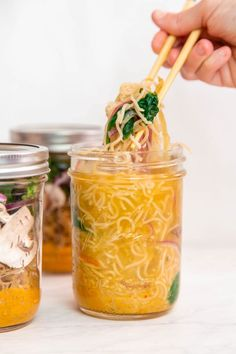 Healthy meal preps are a great way to prepare a nourishing, quick meal for breakfast, lunch, or dinner. This Coconut Curry Ramen meal prep is delicious. Healthy Meal Prep, Easy Healthy Recipes, Quick Easy Meals, Vegetarian Recipes, Simple Meal Prep, Healthy Salads, Curry Ramen, Sweet & Easy, Meal Prep Containers