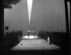 """ Lohengrin "" 3.Aufzug 2.Bild 1954 Wolfgang Wagner  Bühnenphoto"