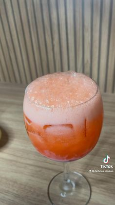 Drinks Alcohol Recipes, Alcoholic Drinks, Cocktails, Food Vids, Frozen Drinks, Summer Drinks, Energy Drinks, Food And Drink, Cooking Recipes