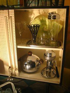 Vintage Barware Window Displays, Barware, Coffee Maker, Kitchen Appliances, Windows, Vintage, Home, Store Windows, Coffee Maker Machine