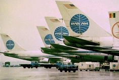 Pan Am at its World Port terminal JFK. takes my breath away looking at the blue globed tails! Best Ab Workout, Abs Workout For Women, Boeing Aircraft, Passenger Aircraft, International Airlines, International Airport, Airline Logo, Pan Am, Best Abs
