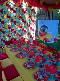 Noddy theme 50th Birthday, Birthday Party Themes, Birthday Cakes, Robin Day, Kid Table, Oui Oui, Themed Parties, Childrens Party, Table Settings