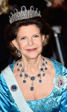Queen Silvia has also been spotted wearing the neoclassical Leuchtenberg. The priceless piece has nine prominent square sapphires and sits significantly higher than some of the more understated pieces in the family collection. The whole set includes the stunning sapphire necklace, brooch and pendant earrings.<br>Photo: © Getty Images