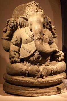 Ganesh Yantra, Sri Ganesh, Ganesha Art, Shiva, Ancient Artefacts, Indonesian Art, Buddha Sculpture, Buddha Painting, India Art
