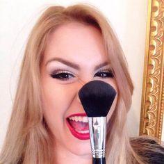 "Interview exclusive - Allure Makeup pour le ""Fossette Magazine""!  #IrinaAwad #AllureMakeup #frenchriviera #MaquilleusePro"