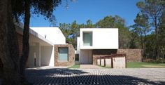House in Meco by Jorge Mealha