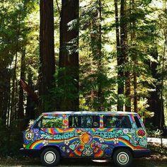 van life in and around Seattle, WA I💜 the PNW ~ Happy Hippie, Hippie Love, Hippie Things, Hippie Style, Volkswagen Bus, Kombi Hippie, Hippie Car, Combi Ww, 70s Aesthetic