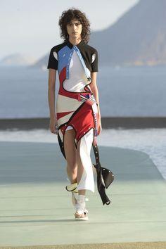 Louis Vuitton Croisière 17 | SAPO Lifestyle