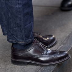 The Best Men's Shoes And Footwear : Alden Cordovan Longwing Brogues via The Sartorialist -Read More – Alden Cordovan, Cordovan Shoes, Wingtip Shoes, Brogues, Loafers Men, Best Shoes For Men, Men S Shoes, Sock Shoes, Shoe Boots