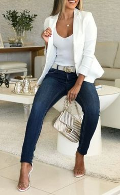White blazer is extremely elegant and ideal to wear at work, or for a . - Outfits for Work - White blazer is extremely elegant and ideal to wear at work, or for a . Summer Work Outfits, Casual Work Outfits, Business Casual Outfits, Mode Outfits, Classy Outfits, Stylish Outfits, Fashion Outfits, Business Attire, Outfit Work