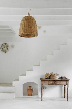 Style Ibiza, Marble Fireplaces, Minimal Decor, Spanish House, Mediterranean Style, Inspired Homes, Minimalist Design, Modern Minimalist, Sweet Home